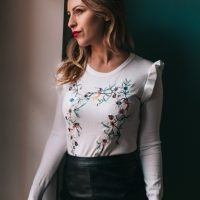 pull-brode-a-volants-agathe